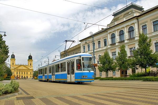 Из окна трамвая можно увидеть все самое главное в Старом городе