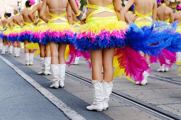 Праздничное шествие начинается с центральной Ярмарочной улицы