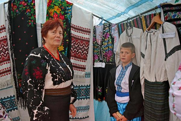 Эта Борщевская вышиванка досталась местной жительнице от свекрови, ей около ста лет!