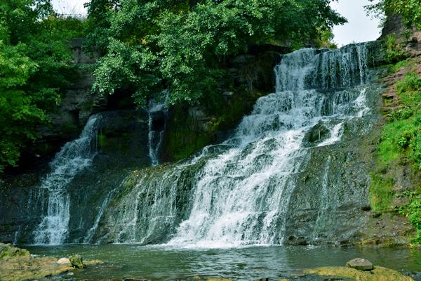 Червоногрородский или Джуринский водопад