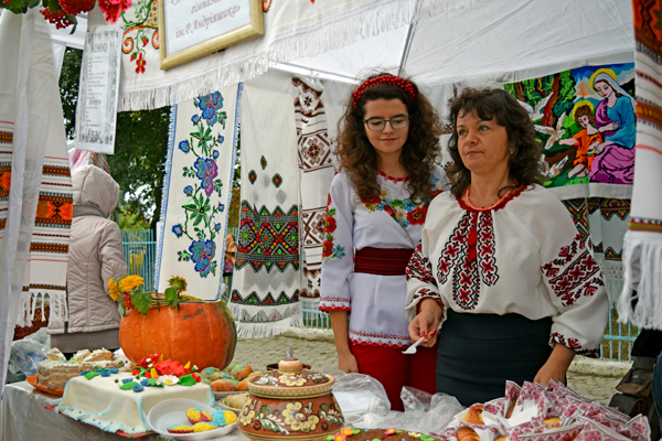 На фестивале Борщевской вішиванки