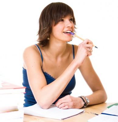 Женщина с ручкой - фото