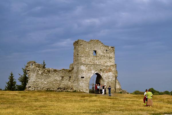 Руины крепости гора Бона