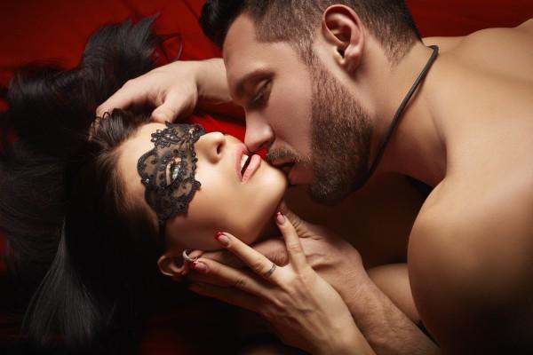 4 новых способа получить удовольствие в постели - фото