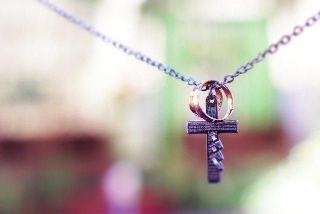Молитва за любимого: как правильно помолиться за любимого человека