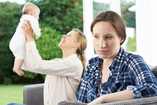 женщина мечтает о ребенке, фото